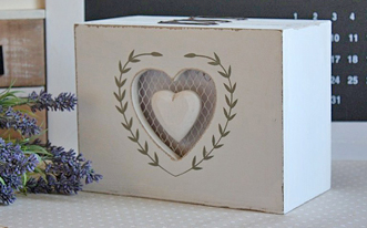 Skrzynki i pudełka
